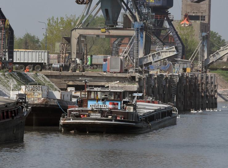 Novi Sad622 Luka brodovi foto Nenad Mihajlovic