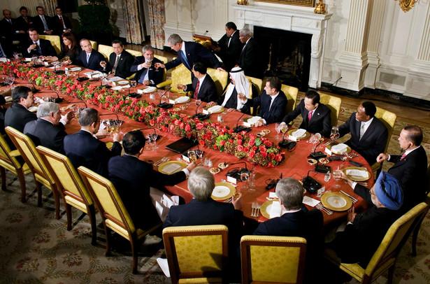 Wspólna kolacja rozpoczynająca jeden z wcześniejszych szczytów G20 w Waszyngtonie
