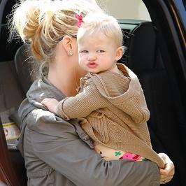 Jessica Simpson z córką na zakupach