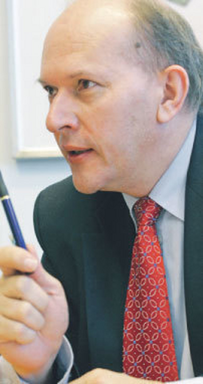 Stefan Dunin-Wąsowicz, ekonomista, doradca w zakresie budowania strategii przedsiębiorstw i fuzji