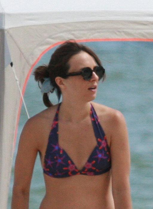 Anna Czartoryska na plaży. Co za modnisia! ZDJĘCIA