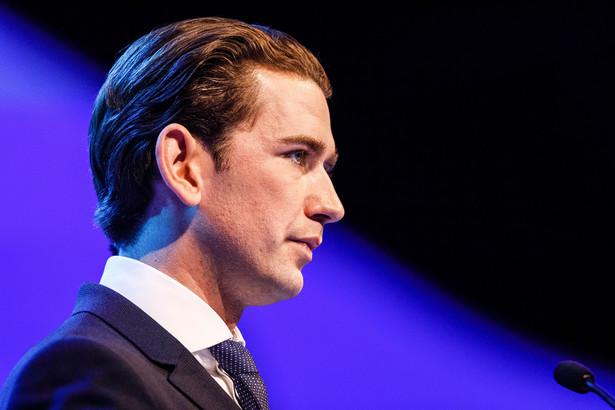 Wieczorem kanclerz Sebastian Kurz z Austriackiej Partii Ludowej (ÖVP) rozwiązał koalicję i skierował do prezydenta wniosek o zorganizowanie wyborów. Również reakcja Alexandra Van der Bellena była błyskawiczna.