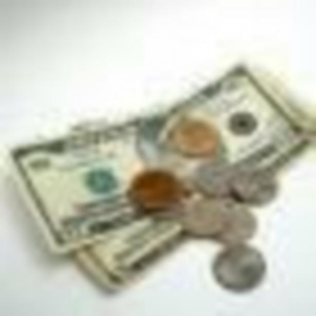 Ropa drożała w piątek na międzynarodowych rynkach trzeci dzień z rzędu. W Nowym Jorku cena baryłki oscyluje wokół 100 dolarów.