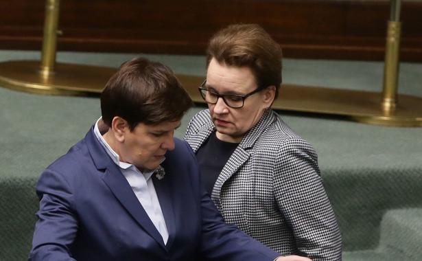 Premier Beata Szydło i minister edukacji narodowej Anna Zalewska podczas obrad Sejmu