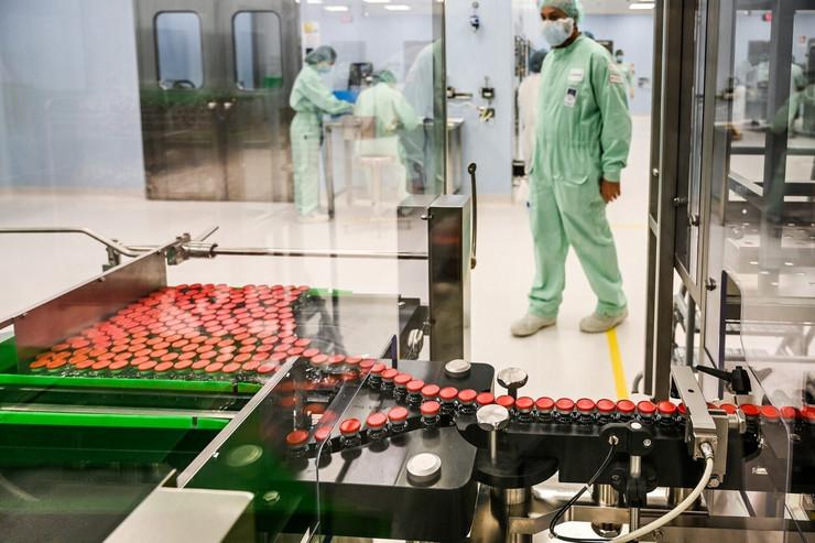Proizvodnja testova za oksfordsku vakcinu u Ananjiju u Italiji