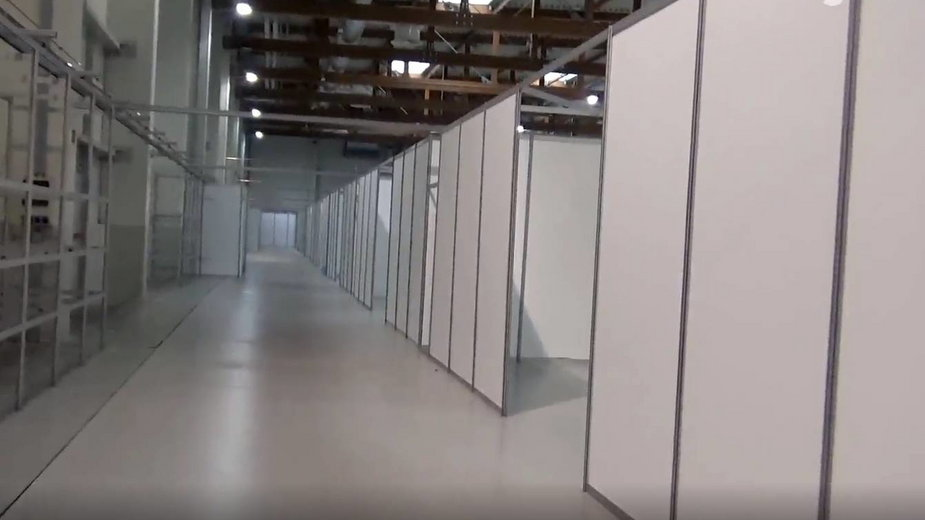 Budowa szpitala tymczsowego w Hali Expo - listopad 2020