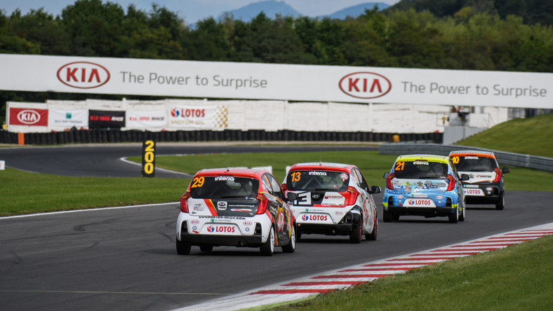 Kia Lotos Race 2017 - Tor Most