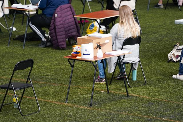 Učenici polažu ispite na otvorenom u Oslu