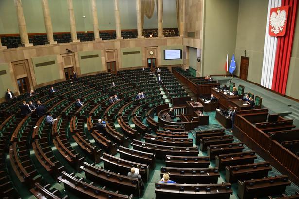 W ramach Polskiego Ładu rząd proponuje podwyżkę kwoty wolnej od podatku do 30 tys. zł.