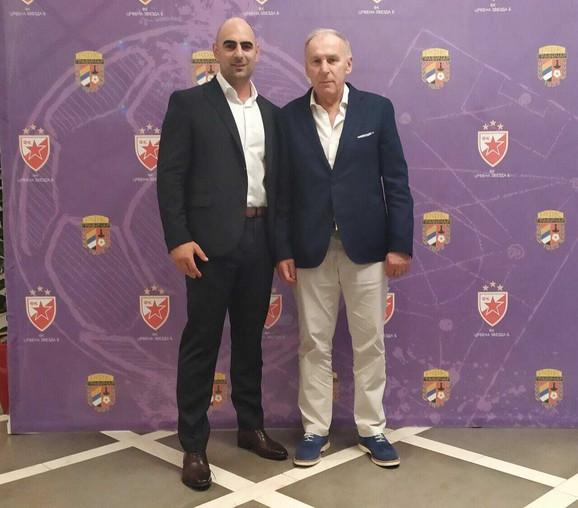 Slobodan Govedarica, predsednik Grafičara i Dragan Džajić, treća zvezdina Zvezda