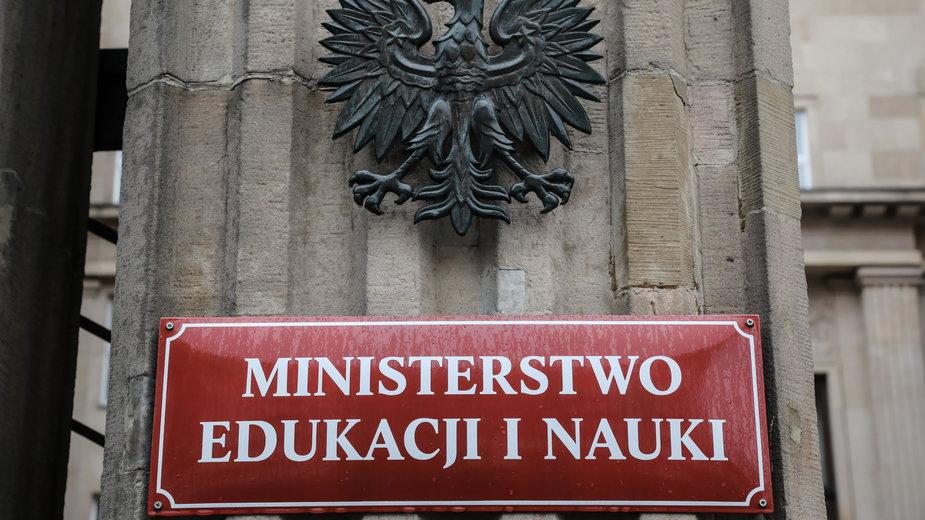 Budynek MEN przy Alei Szucha w Warszawie