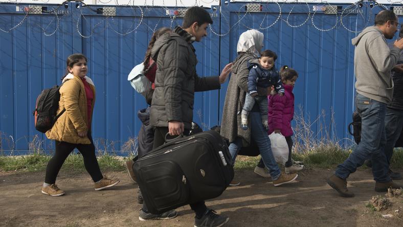 Węgry przyjęły uchodźców. Politycy mówią o