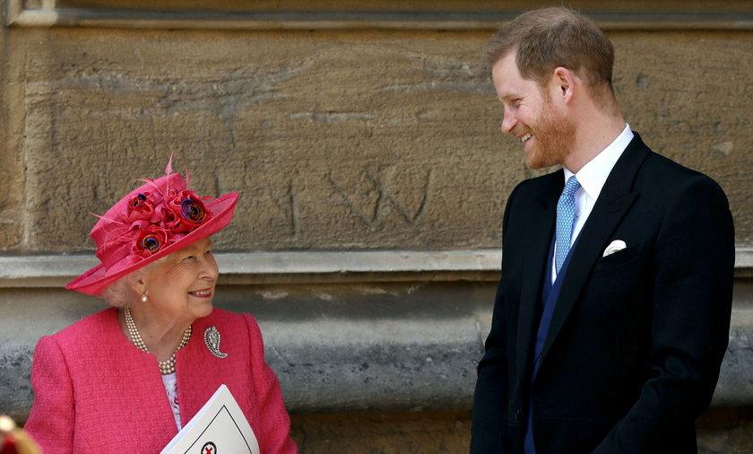 Królowa Elżbieta II i książę Harry.
