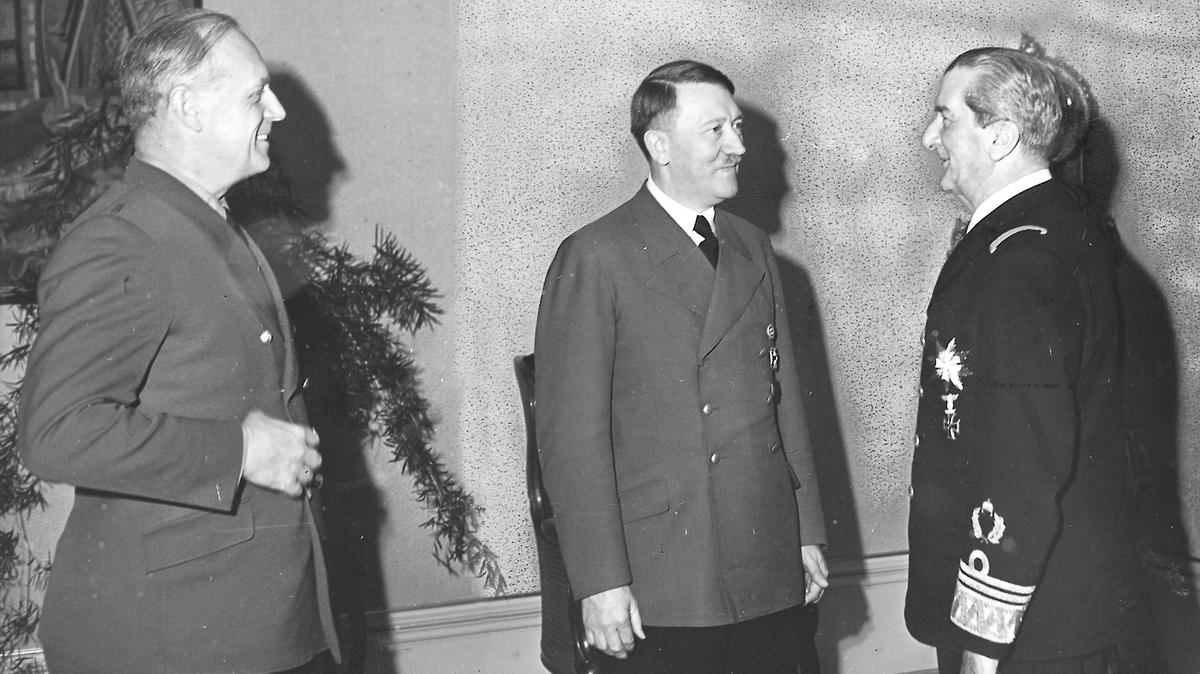 Horthy Miklós unokája bocsánatot kért a holokausztért – ezt mondta nagyapjáról