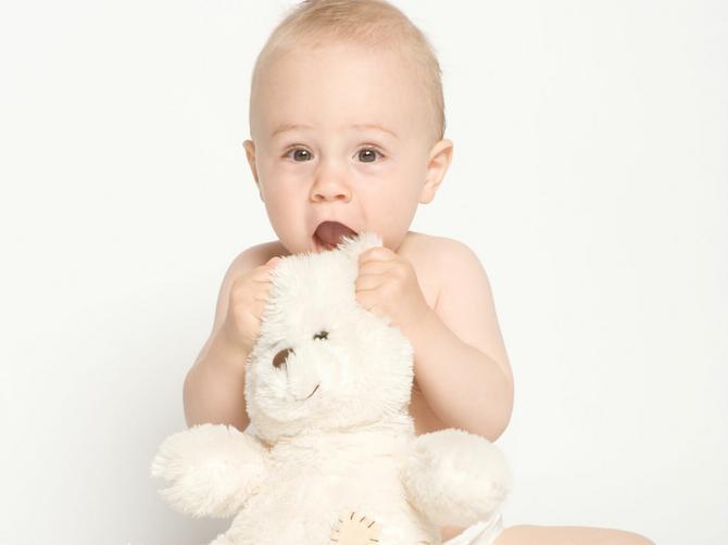 Vodič kroz život bebe: Peti mesec