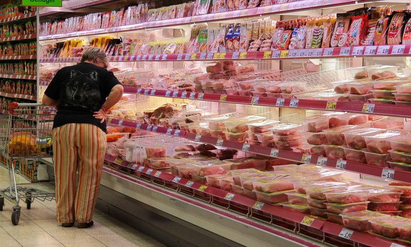 Podejrzane mięso zakupiły cztery hurtownie działające w różnych częściach Szwecji