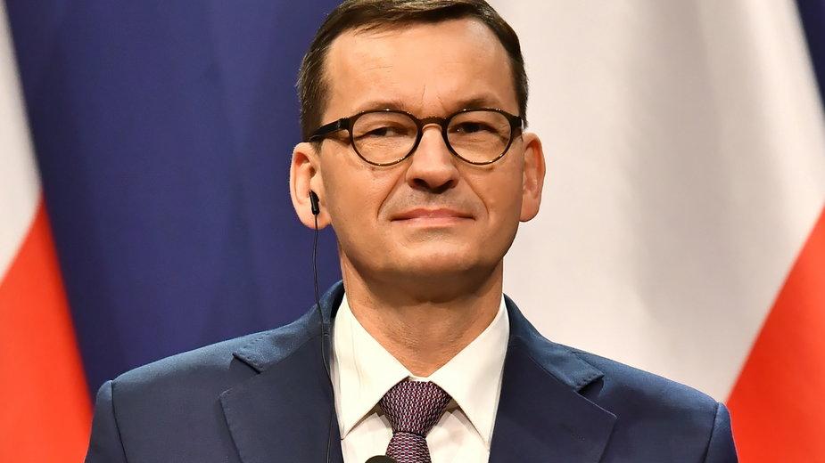 Premier analizuje sprawę wojewody wielkopolskiego i budowy zamku w Stobnicy