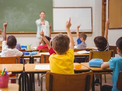 W gminach wiejskich pracę straciło tylko 129 nauczycieli