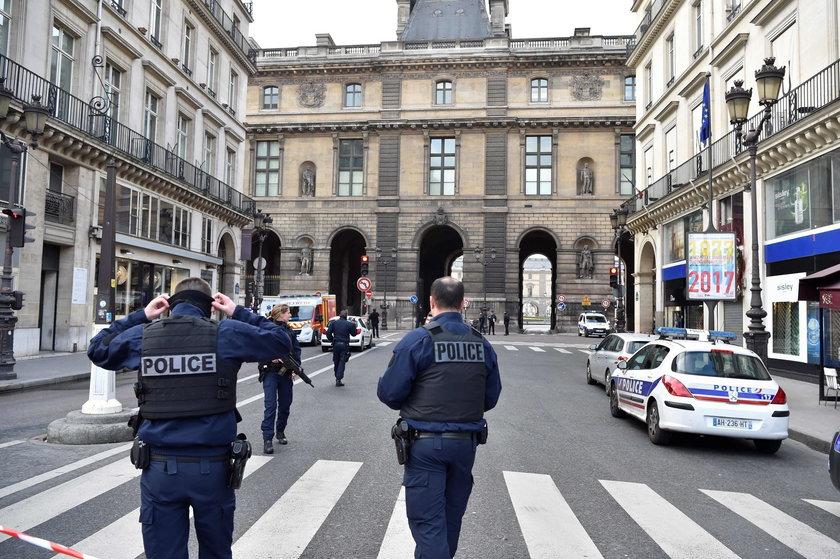 Terrorysta spod Luwru wysyłał pieniądze do Polski