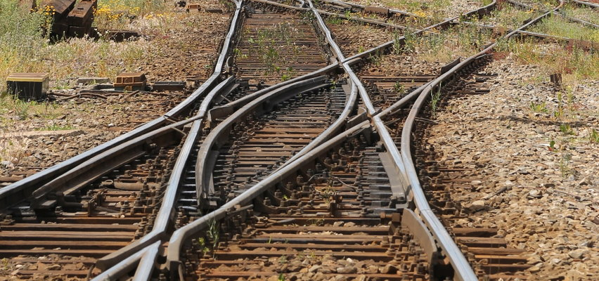 20-latek zginął na przejeździe kolejowym. Chciał zrobić ekscytujące zdjęcie