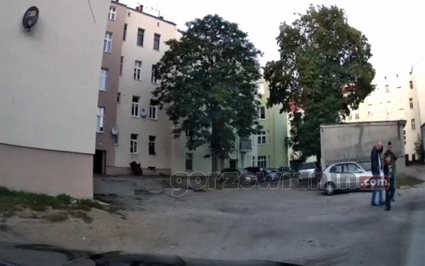 Gorzów Wielkopolski. Na tych zdjęciach widać, co robił kierowca chevroleta po wypadku, w którym zginął 4-latek
