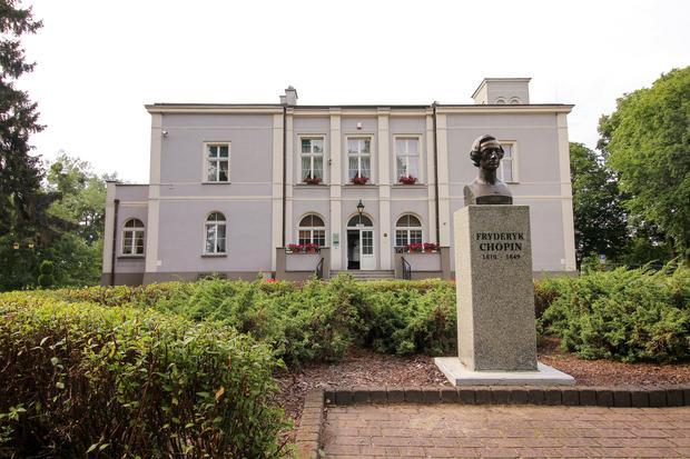 Ośrodek Chopinowski w dworze Dziewanowskich - Szlakiem Fryderyka Chopina