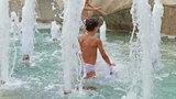 Uważaj na kąpiele w fontannach!