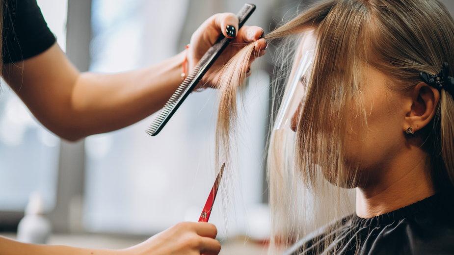 Idealne fryzury dla 50-latek! Odejmują kilka lat