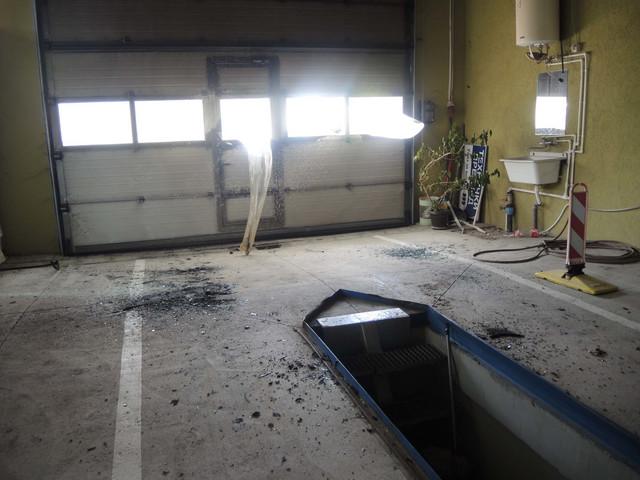 """Crvena """"Dačija"""" nije prošla tehnički pregled zbog polomljenog retrovizora"""