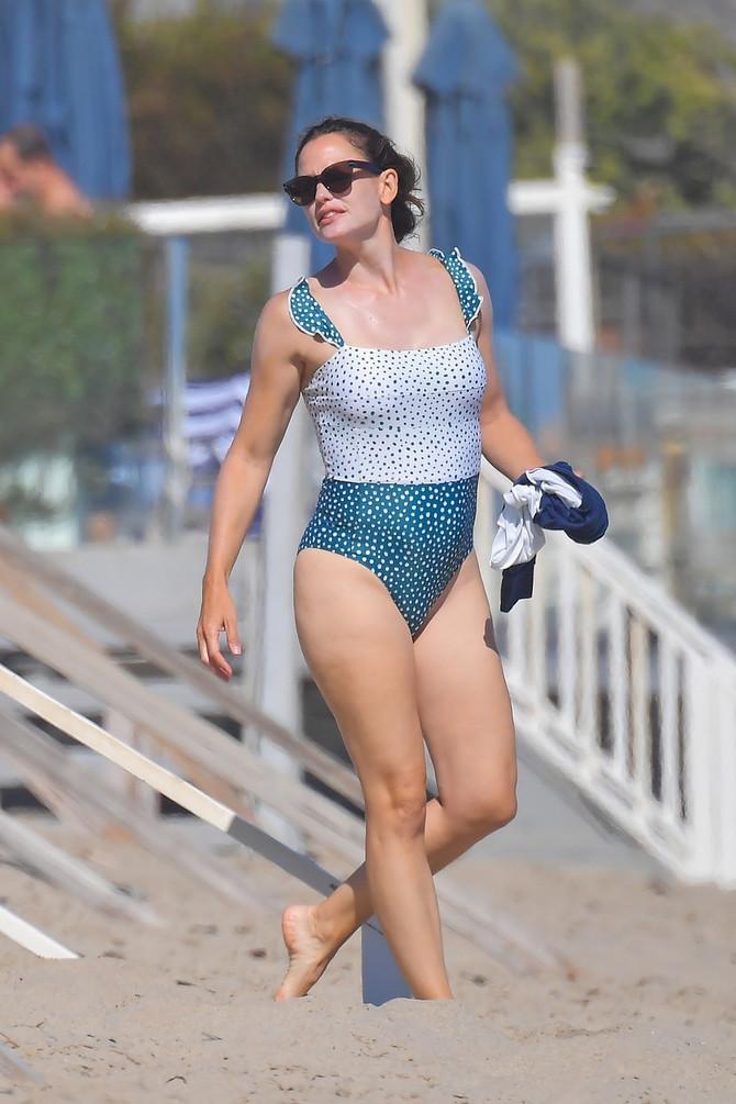 Dženifer Garner na plaži