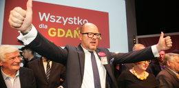 Adamowicz zdecydowanie pokonał kandydata PiS