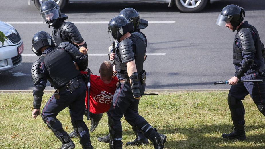 Białoruś: piąty dzień protestu