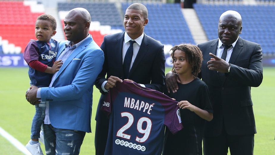 Kylian Mbappe wraz z młodszym bratem, Ethanem