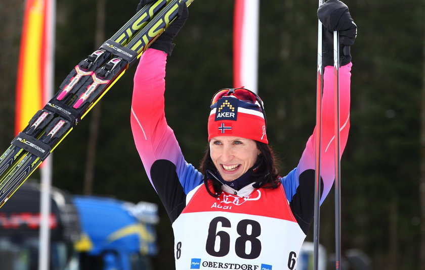 Marit Bjoergen przewinęła synka i... wygrała zawody!