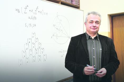 Osvojili smo u Moskvi prvo mesto iz hemije, iako se kod nas hemija uči manje nego u klasičnim gimnazijama