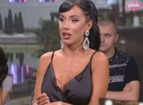 Aleksandra Subotić pokazala novi dekolte posle operacije: A, svi su gledali samo u jedno! FOTO