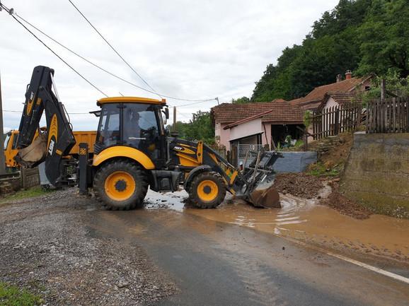 Magistralni put Kraljevo-Trstenik je bio blokiran zbog poplava