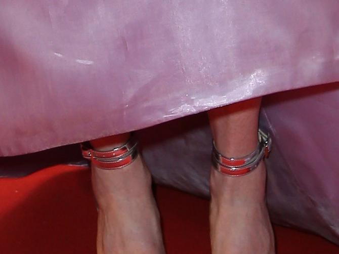 Savršene ako im ne gledate stopala: Da li im je potreban pedikir ili veća obuća?