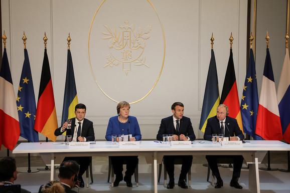 Volodimir Zelenski, Angela Merkel, Emanuel Makron i Vladimir Putin na sastanku u Parizu