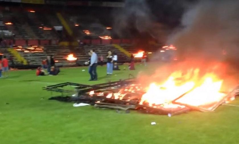 Eskisehirspor przegrał, a kibice podpalili stadion!