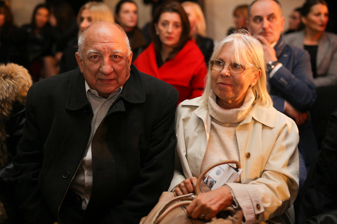 Bekjarev sa suprugom Mikicom