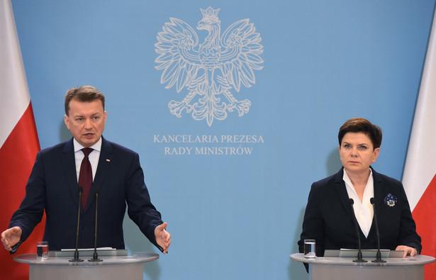 Premier Beata Szydło i Mariusz Błaszczak, PAP/Radek Pietruszka