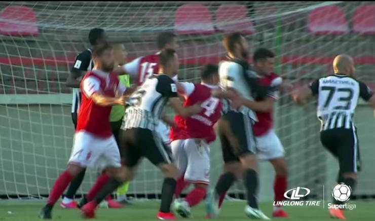 Napredak Partizan, penal, sporni trenutak