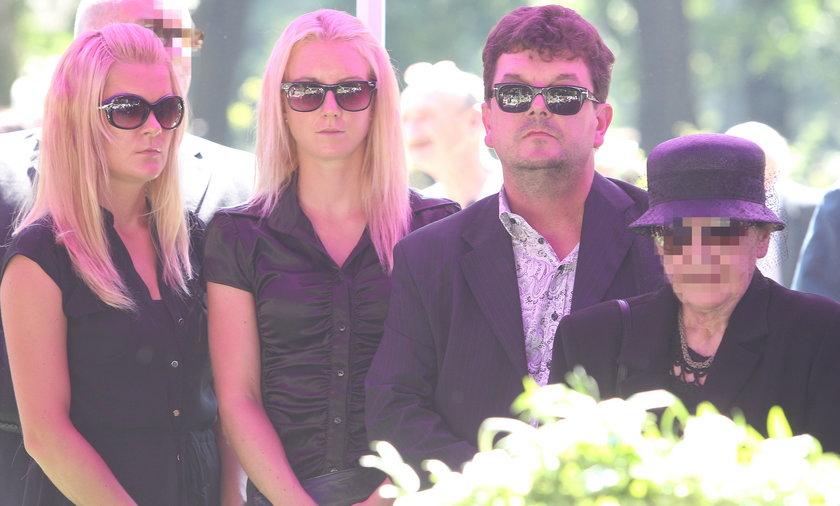 Pogrzeb dziadka sióstr Radwańskich