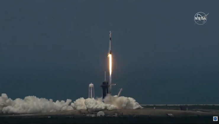 NASA poletela raketa Falcon 9
