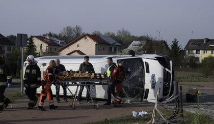 Koszmarny wypadek busa. 14 osób rannych