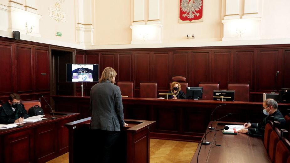 Właściciel hotelu Andrzej Kowalczyk i sędzia Agnieszka Suder-Szlósarczyk na sali sądu rejonowego w Wadowicach