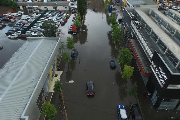 (VIDEO) Ovakav snimak jučerašnjeg potopa u Beogradu JOŠ NISTE VIDELI