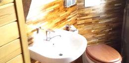 Tak wygląda toaleta na Wieży Mariackiej. Zobacz film