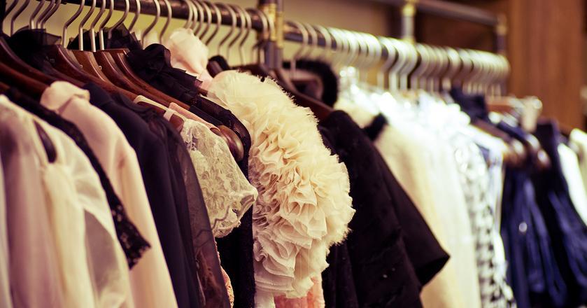 W kobiecej szafie powinien panować system, który ułatwi poranny wybór stroju